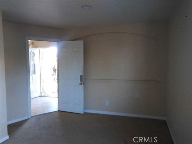 928 S Sharonlee Drive, West Covina CA: http://media.crmls.org/medias/f17b12ec-06d2-4128-bb8d-1be13e94f769.jpg