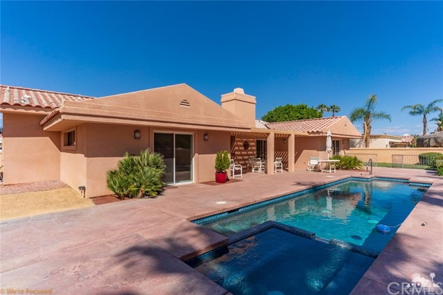 73181 Skyward Way, Palm Desert CA: http://media.crmls.org/medias/f1825d36-4524-4933-b94c-edd5dba9c966.jpg