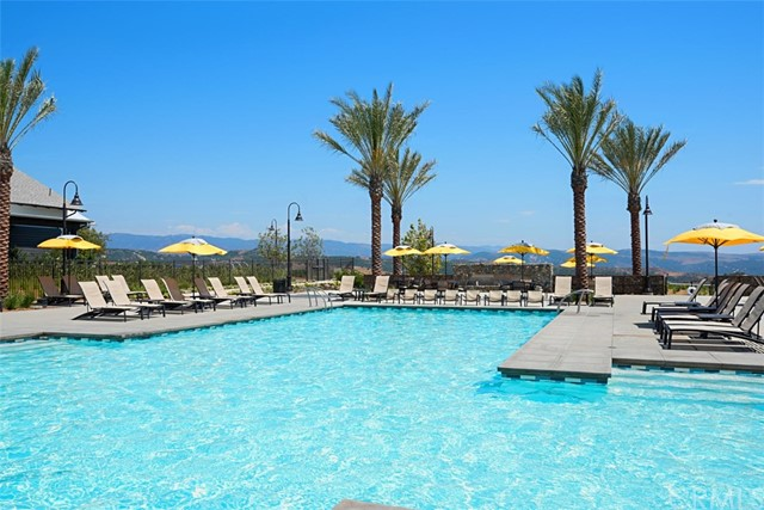 21 Rollizo Street, Rancho Mission Viejo CA: http://media.crmls.org/medias/f1913578-8ea0-40b3-b5a2-9fc66ab539e4.jpg