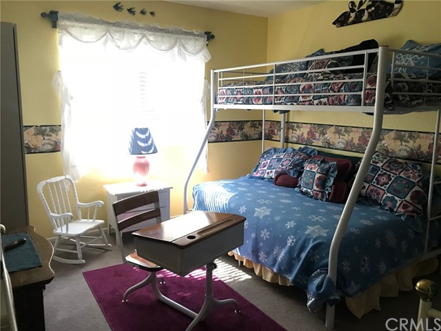 1068 Cherokee Street, Fawnskin CA: http://media.crmls.org/medias/f191a918-5949-479c-827a-3fbbe71030ef.jpg