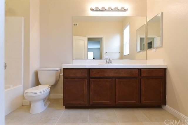 4981 Woodley Ridge Drive, Rancho Cucamonga CA: http://media.crmls.org/medias/f192fa7c-73d9-4406-af17-0739cb5e30ab.jpg