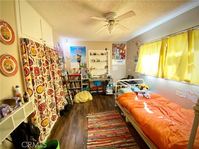 1048 E Lemon Avenue, Glendora CA: http://media.crmls.org/medias/f195ee2c-6704-48ec-91f0-f7fb2aa5a31b.jpg