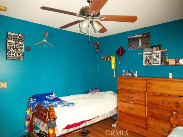 529 W Santa Cruz Street, San Pedro CA: http://media.crmls.org/medias/f1a54e04-9502-447d-9e5c-c376de40d527.jpg