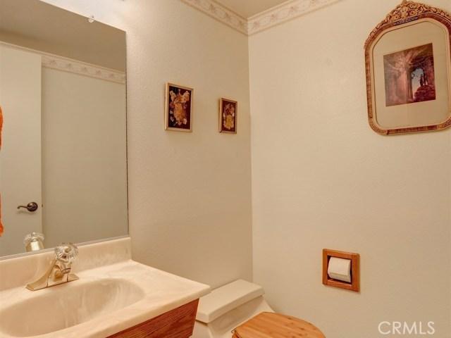 581 Doverlee Drive, Santa Maria CA: http://media.crmls.org/medias/f1a75356-ec78-4978-9f81-87270af7d4fd.jpg