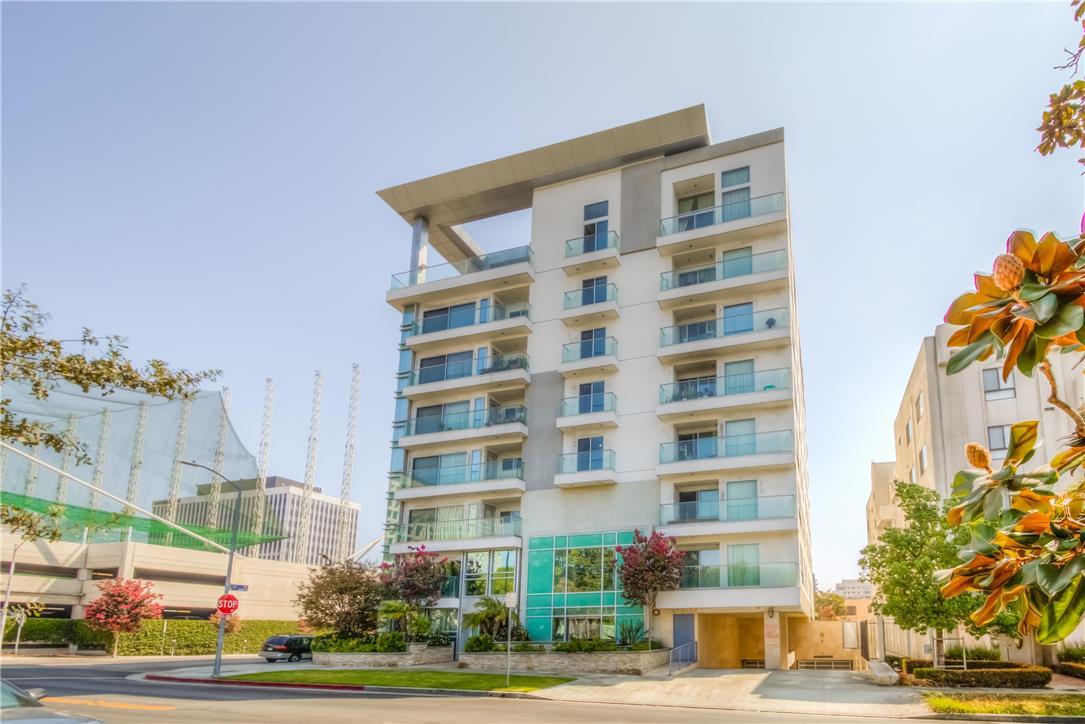 702 S SERRANO Avenue, Los Angeles CA: http://media.crmls.org/medias/f1a94477-91fd-4949-ac08-abdd3681e1cf.jpg