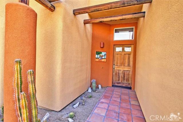 53280 Avenida Carranza, La Quinta CA: http://media.crmls.org/medias/f1ad54d5-31bb-42d9-a6eb-4e84bfa742a3.jpg