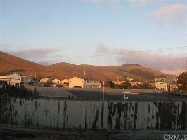 196 Panay Street, Morro Bay CA: http://media.crmls.org/medias/f1eeaca0-394a-4e0f-868c-cae7942f2189.jpg
