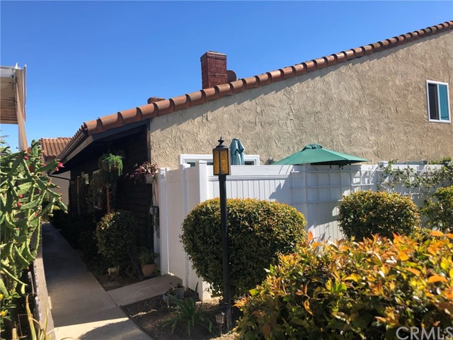 Holt Avenue, Tustin, California 92780, 2 Bedrooms Bedrooms, ,1 BathroomBathrooms,Single Family Residence,For Sale,Holt,PW21036878