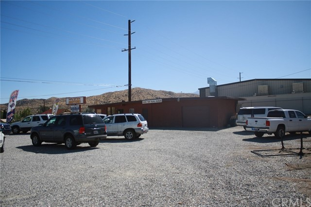 49896 29 PALMS Highway, Morongo Valley CA: http://media.crmls.org/medias/f2093ae3-6ae3-40da-b393-624d9950f5a9.jpg