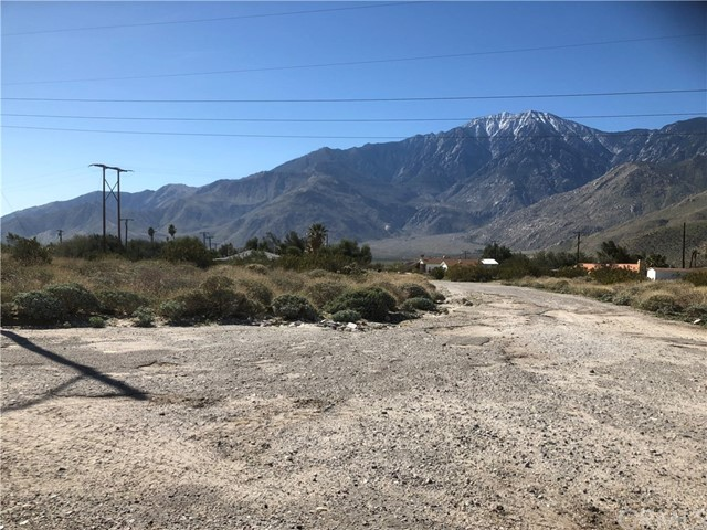 55597 Rockview Drive, Cabazon CA: http://media.crmls.org/medias/f20c2ee0-0832-4aa3-a15a-0bcafac5adcd.jpg