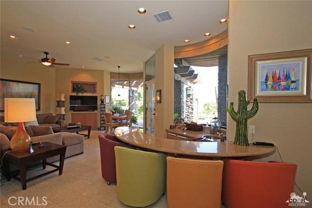 428 Morning Dove, Palm Desert CA: http://media.crmls.org/medias/f224d988-cc8c-40f9-9869-2cddf71f6d5c.jpg