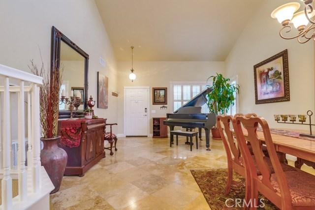 598 Redondo Lane, Corona CA: http://media.crmls.org/medias/f2368b9a-96b1-45f5-bc1c-38ac8cfb40ce.jpg