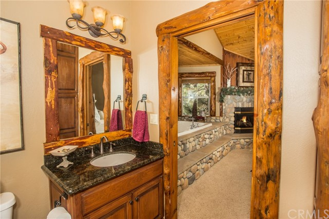 39258 Waterview Drive, Big Bear CA: http://media.crmls.org/medias/f23ef0ea-9607-4d55-8cdb-20c5224001ef.jpg