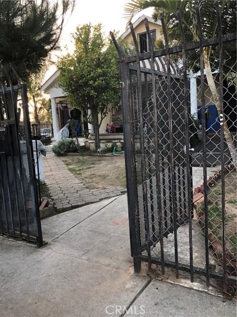 2321 S Bronson Avenue, Los Angeles CA: http://media.crmls.org/medias/f2448834-0f35-4358-9d5e-a39596a12474.jpg