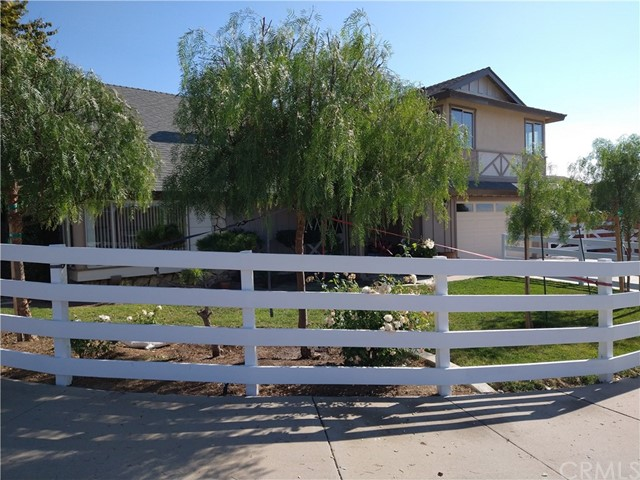 Detail Gallery Image 1 of 75 For 398 Day Rd, Ventura,  CA 93003 - 5 Beds   2/1 Baths