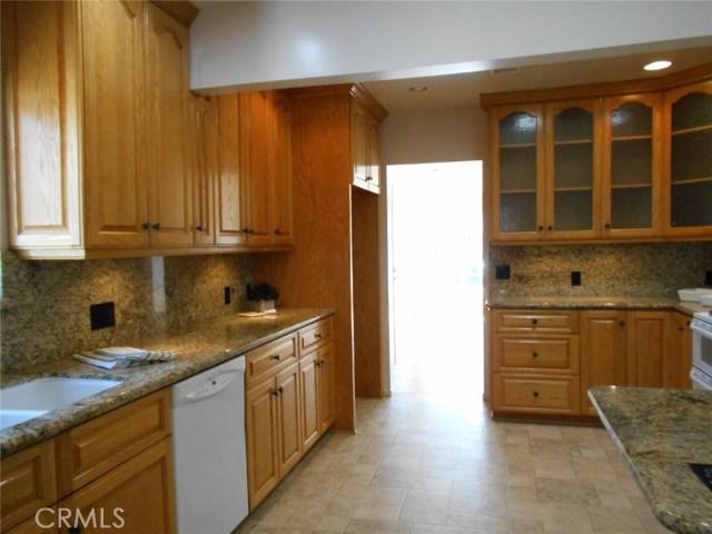 23115 Huber Avenue, Torrance CA: http://media.crmls.org/medias/f24768cb-6246-4cb2-8758-ab0fc861c1b1.jpg