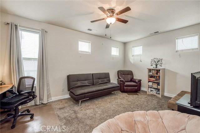 6062 N Torrey Pines Avenue, Fresno CA: http://media.crmls.org/medias/f253206a-6ef3-4471-ba23-29fd9f6f7d38.jpg