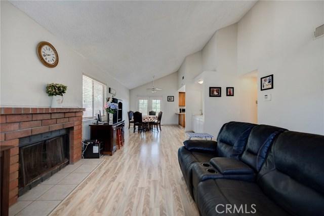 8373 9th Street, Rancho Cucamonga CA: http://media.crmls.org/medias/f25d2781-7ddd-4557-b71c-a51f6ff54ed2.jpg