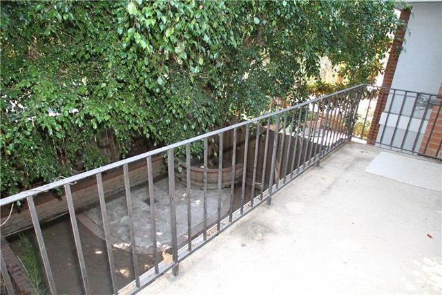 1003 Nancy Lane, Costa Mesa CA: http://media.crmls.org/medias/f263e5bc-6ada-4f60-9bb3-674bd1707b78.jpg