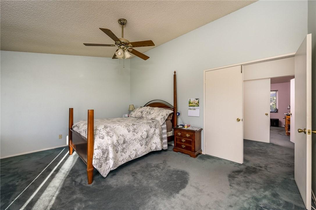 10271 Canyon Vista Road, Moreno Valley CA: http://media.crmls.org/medias/f26566ec-c015-42de-bc6e-5bf44d22082b.jpg