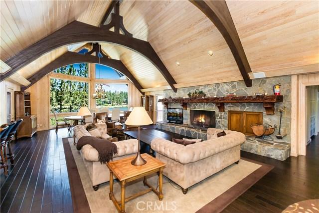 Casa Unifamiliar por un Venta en 791 Cove Drive Big Bear, California 92315 Estados Unidos