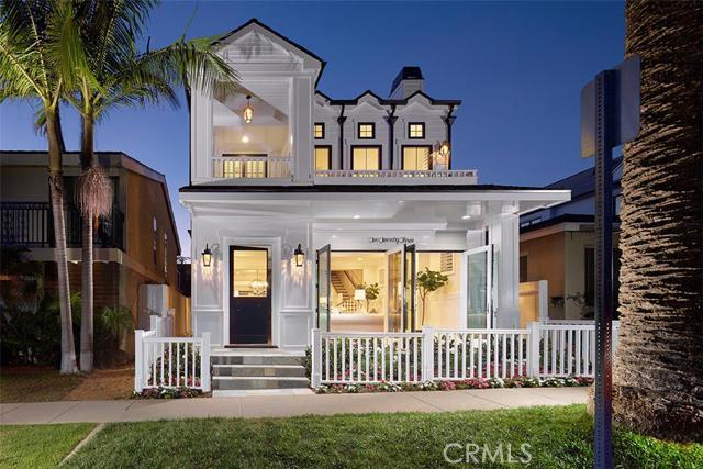 Single Family Home for Sale at 223 Marguerite St Corona Del Mar, California 92625 United States