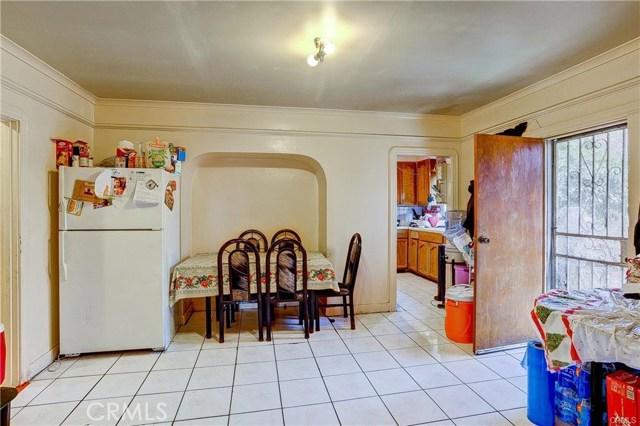714 S Woods Avenue, Los Angeles CA: http://media.crmls.org/medias/f2a74076-7e27-4e16-85c8-e7e6fb9bd680.jpg
