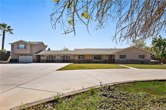 18265 kross Riverside, CA 92508 is listed for sale as MLS Listing IV18043876