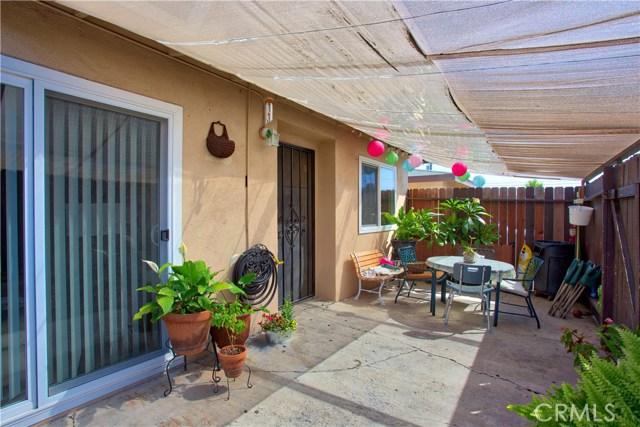 2077 Wallace Avenue, Costa Mesa CA: http://media.crmls.org/medias/f2bbea5b-c81b-4f26-a2f3-99d662f79a91.jpg