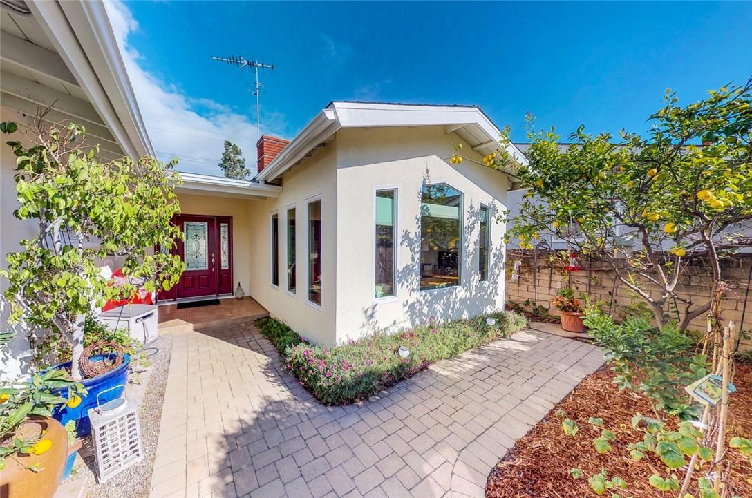 470 Linares Avenue, Long Beach, CA 90803 Photo 2