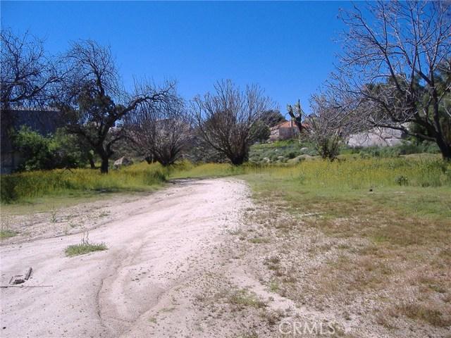 683 W Nuevo Road, Perris CA: http://media.crmls.org/medias/f2c47de9-0472-49bd-9275-83db3624625c.jpg