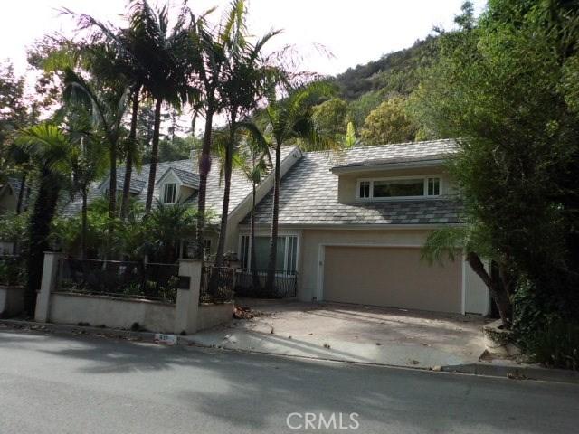 937 Chantilly Road  Los Angeles CA 90077
