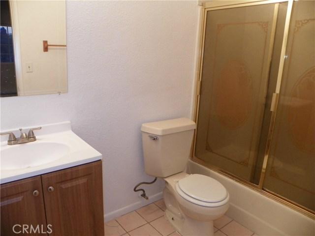 2330 W Harvard Street, Santa Ana CA: http://media.crmls.org/medias/f2d118f9-1d7d-4b68-ac33-ea421903b870.jpg