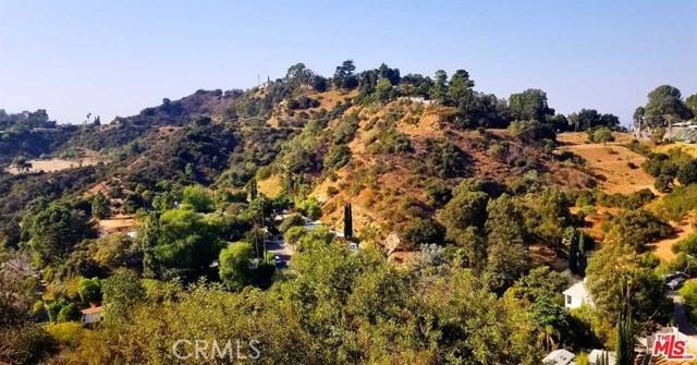 2625 N Dominion Lane Lane, Los Angeles CA: http://media.crmls.org/medias/f2d5123e-c80e-473d-a837-318008f8755f.jpg