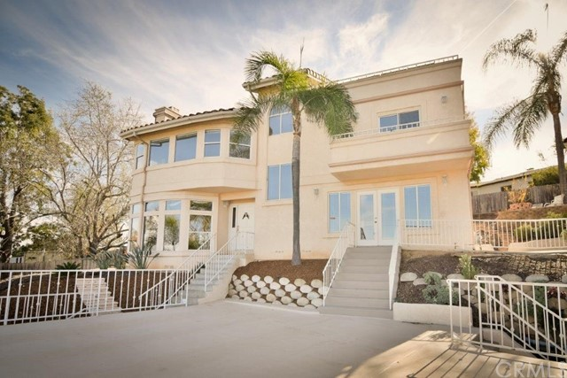 Detail Gallery Image 1 of 8 For 8939 Alpine Ave, La Mesa,  CA 91941 - 4 Beds   2/1 Baths