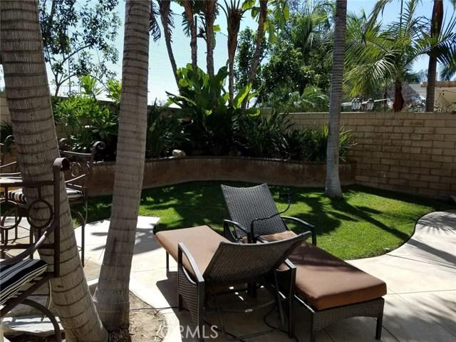 1324 Garten Drive, Placentia CA: http://media.crmls.org/medias/f2dac8a2-b32d-4012-9724-1fd6ca25ec0d.jpg