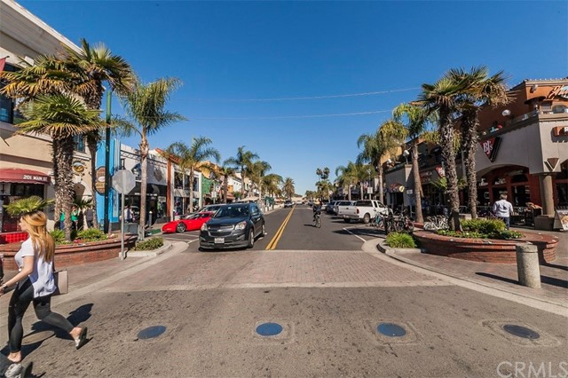 216 Walnut Avenue Huntington Beach, CA 92648 - MLS #: OC18047236