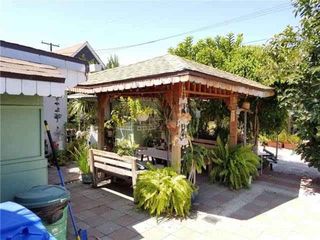 4817 N. Midsite Ave., Covina CA: http://media.crmls.org/medias/f2e15880-e44e-4bdb-bc60-547307ff6692.jpg