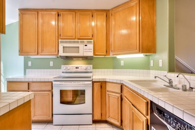 Rental Homes for Rent, ListingId:34672268, location: 8112 East NAPLES Lane Anaheim Hills 92808