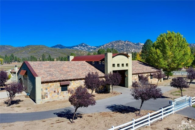 59924 Horse Canyon Road, Mountain Center CA: http://media.crmls.org/medias/f2f5b360-7446-45c2-b245-a11b0a210572.jpg