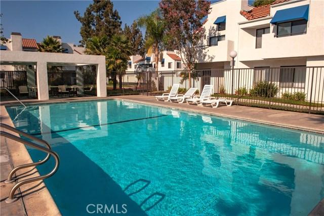 143 Park Shadow Court, Baldwin Park CA: http://media.crmls.org/medias/f2f878ed-14d4-4977-9b82-11ea3677e700.jpg