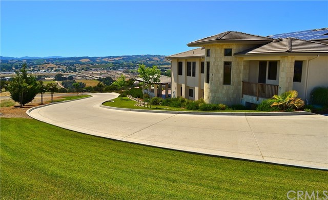1463 Burnt Rock Way, Templeton CA: http://media.crmls.org/medias/f2fb2e0c-4000-40c9-a142-e8838eebe1b5.jpg