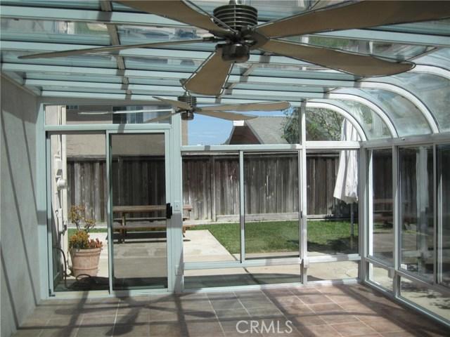 21082 Cocobana Lane, Huntington Beach CA: http://media.crmls.org/medias/f301988d-dc13-40f5-b2fb-9c9d42918bbe.jpg