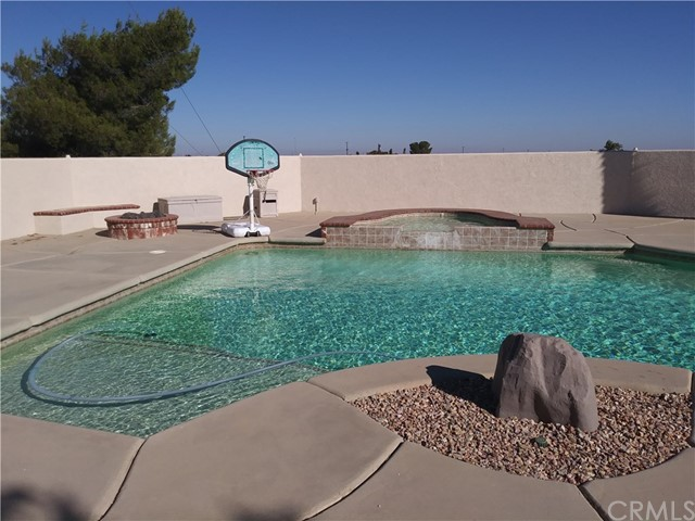 8462 Mesa Linda Street, Oak Hills CA: http://media.crmls.org/medias/f30dd3cf-e900-49d5-b23c-cc0584a93470.jpg