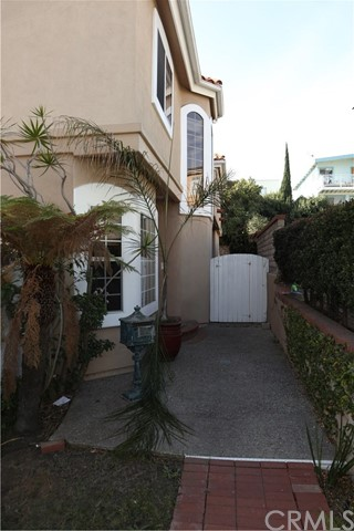 Condominium for Rent at 219 Prospect Unit 2 219 S Prospect Redondo Beach, California 90278 United States