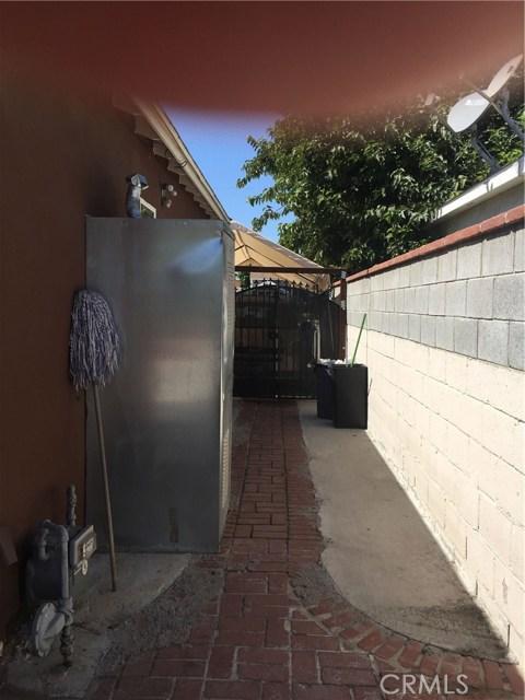 7854 Ben Avenue, North Hollywood CA: http://media.crmls.org/medias/f31bafee-17a5-4b87-b5dd-5eb4bad31d60.jpg