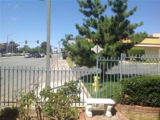 711 W Ramsey Street, Banning CA: http://media.crmls.org/medias/f335ddb7-a5e0-4958-ab04-f56543da5f37.jpg