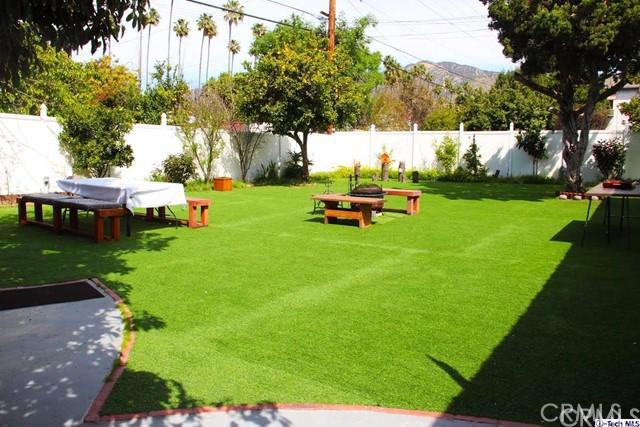Single Family Home for Rent at 1637 Glenwood Road Glendale, California 91201 United States