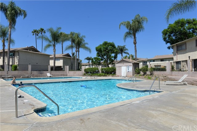 1602 N King Street Unit P6 Santa Ana, CA 92706 - MLS #: OC18141620