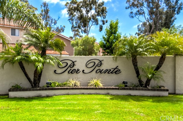 19152 Shoreline Lane 8 , CA 92648 is listed for sale as MLS Listing OC18166532